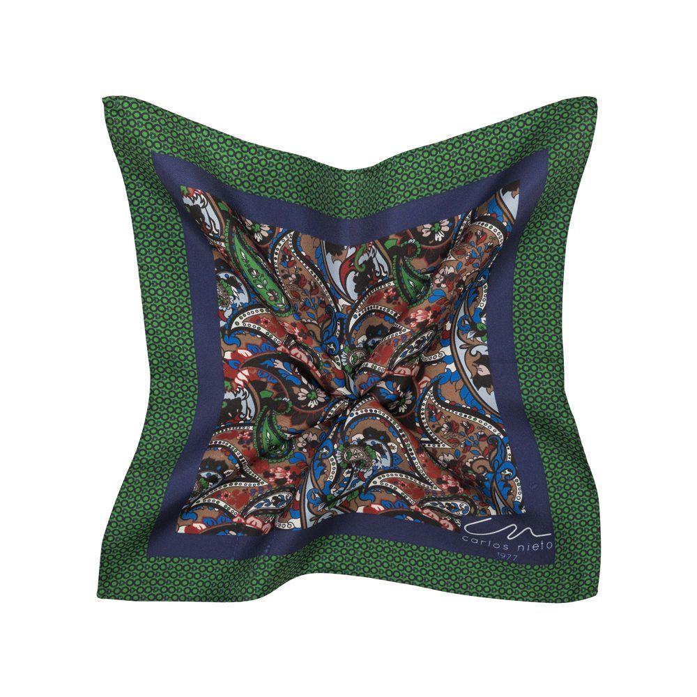 Pañuelo de arabescos multicolor y cenefa verde con azul oscuro en seda de origen Español.