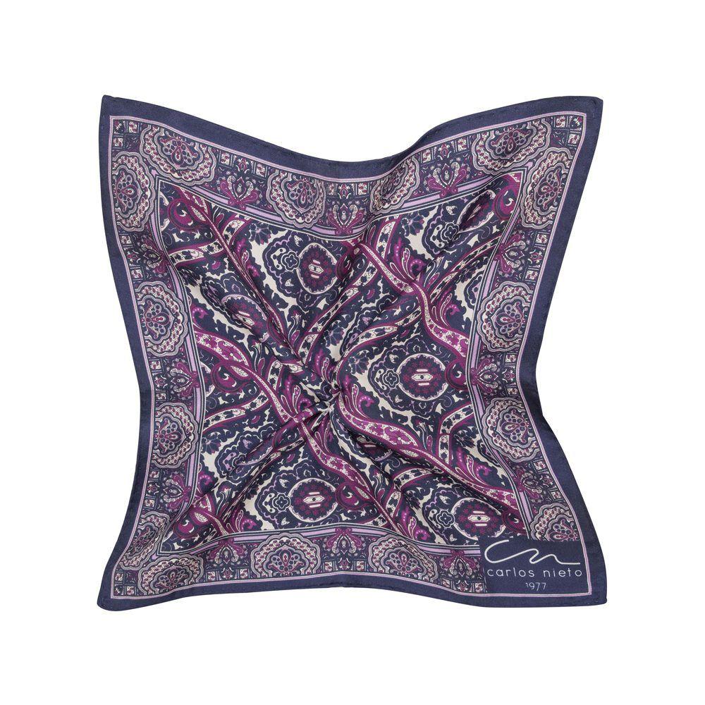 Pañuelo morado con estampado de arabescos en fucsia y morado oscuro, cenefa y marco lila en seda de origen Español.