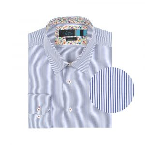 Camisa manga larga azul a rayas, regular fit, cuello abierto con botón escondido. Algodón de origen Italiano.