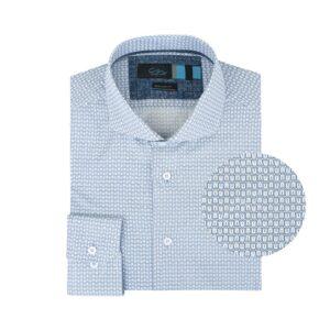 Camisa estampada azul en Algodón 100% de origen Esloveno, silueta regular y cuello abierto con button under.