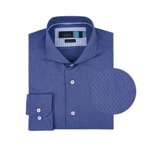 Camisa azul micro diseño.  Algodón 100% Pima.  Regular fit, cuello abierto con botòn escondido.