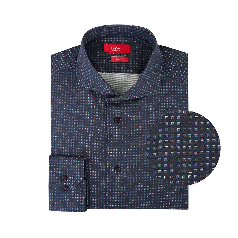 Camisa azul con mini print multicolor en Algodón 100% de origen Esloveno, silueta slim fit, cuello abierto con button under.