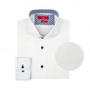 Camisa blanca doble uso en 100% Algodón Pima, silueta slim fit, cuello abierto con button under y tenue costura en costraste.