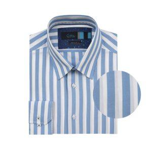 Camisa manga larga, fondo blanco a rayas azules claras, Regular fit, cuello cerrado con botón escondido. Algodón de origen Peruano.