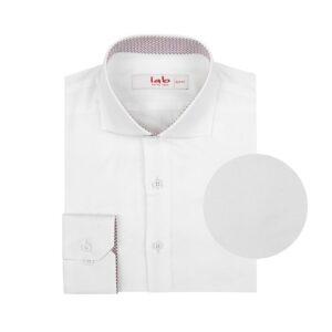 Camisa blanca doble uso en Algodón 100% Pima. Silueta slim fit, cuello abierto con button under y contrastes en cuello y puño interno.