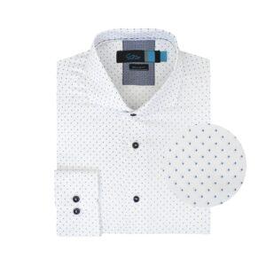 Camisa blanca con mini print en contraste elaborada en Algodón 100% de origen Peruano, silueta regular y cuello abierto con button under, botones en contraste  y tenue costura en contraste.