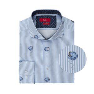 Camisa a rayas azul clara con estampado de peces en algodón 100% Italiano.