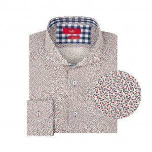 Camisa blanca estampada en Algodón 100% de origen Esloveno, contrastes en cuello, silueta slim fit y cuello clásico con button under.