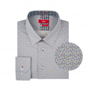 Camisa con mini print multicolor en Algodón 100% de origen Italiano, silueta slim fit y cuello clásico con button under y detalles en contraste para un look moderno.
