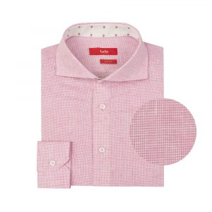 Camisa rosada a cuadros en lino. Silueta slim fit.