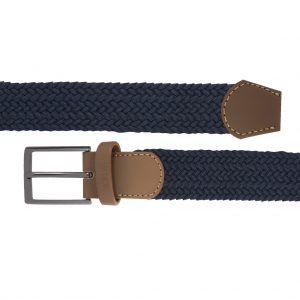 Cinturón trenzado azul en mezcla que permite elasticidad.