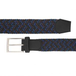 Cinturón trenzado con mezcla de tonos azules y negros que permite elasticidad.