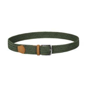 Cinturón trenzado verde que permite elasticidad gracias a su tejido, puntera en cuero y hebilla en níquel.