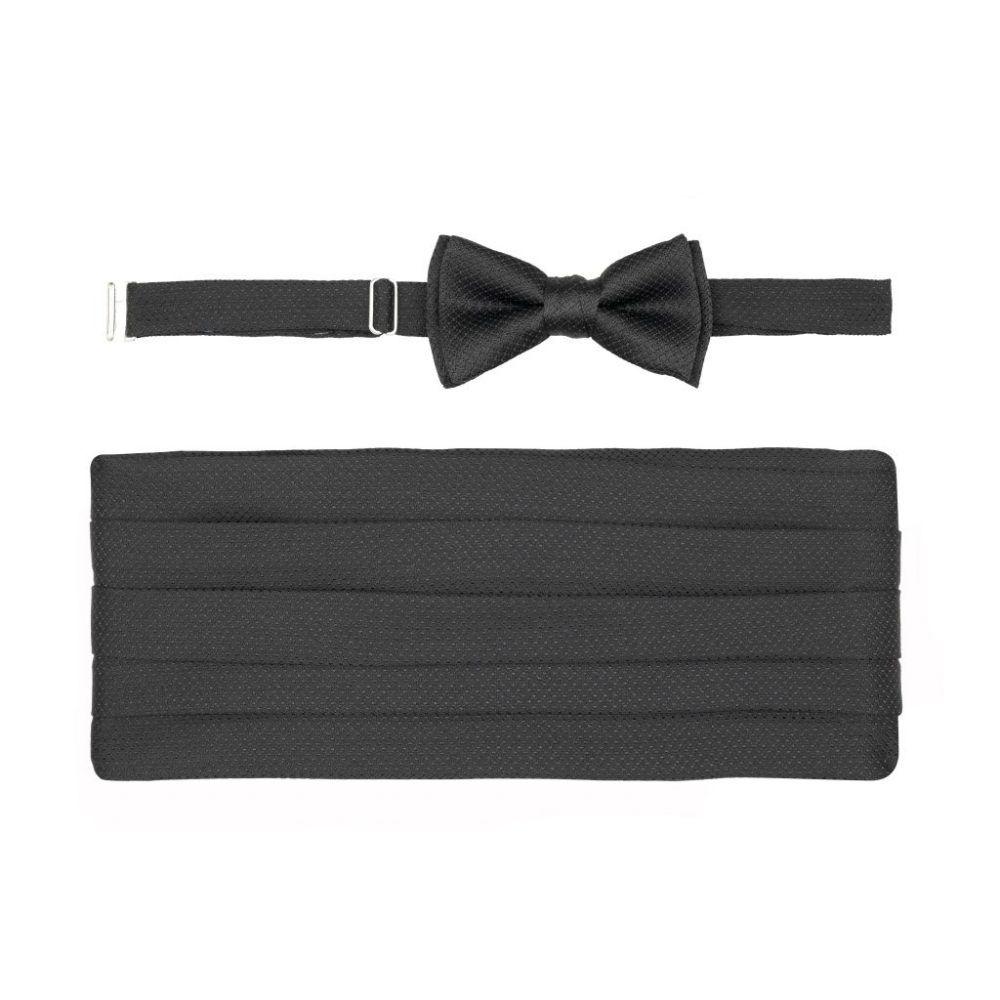Juego de corbatín y faja negro en seda.