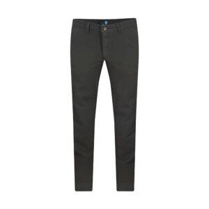 Pantalón verde regular fit tipo chino. Confeccionado en Algodón 100% Español, tejido que se adapta al cuerpo brindando confort.