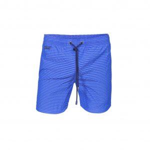 Pantaloneta de baño azul tipo Seersucker. Pretina encauchada, con cordón y punteras personalizadas, bolsillo posterior con velcro. Base textil con tecnología de rápido secado.