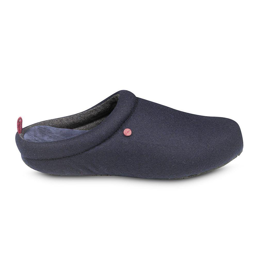 Pantuflas fabricadas con materiales especialmente seleccionados para brindar confortabilidad.