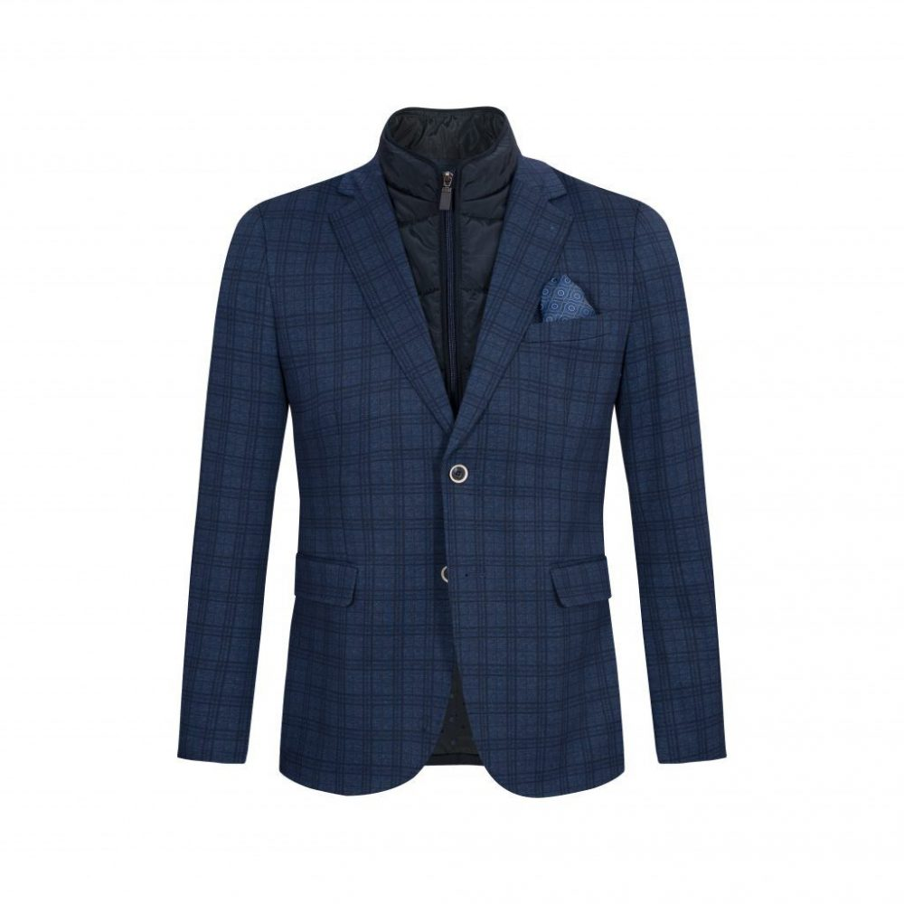 Saco azul a cuadros con doble pechera removible acolchada, bolsillos de tapa y silueta regular.