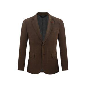 Saco café jaspeado, dos botones y  bolsillos de tapa. Regular fit elaborado con lana 100% Italiana. Fabricante Reda.