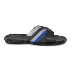 Sandalia negra tipo pala elaborada en cuero napa con contrastes en correa multicolor.
