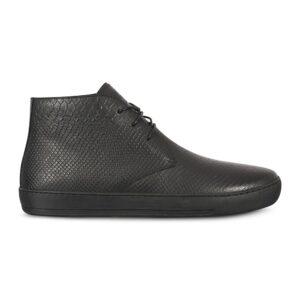 Tenis tipo botín en cuero negro, suela de goma flexible y cordones a tono encerados. Especialmente diseñados para nuestra linea Platino.