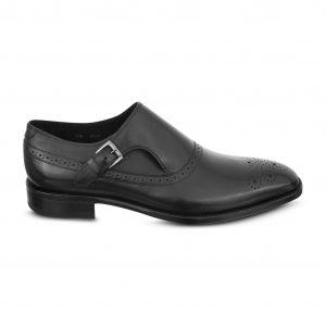 Zapato negro esfumado con hebilla con sutil detalle chiripiado, en piel e insumos Argentinos.